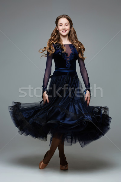 Piękna sala balowa tancerz nastolatek długo Zdjęcia stock © svetography