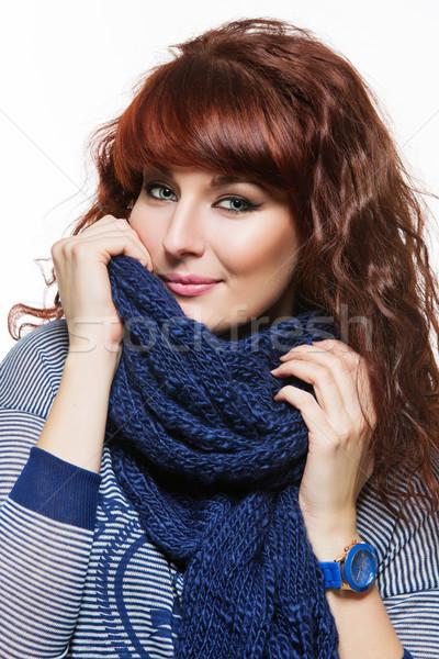 Mujer de punto lana bufanda jóvenes mujer hermosa Foto stock © svetography