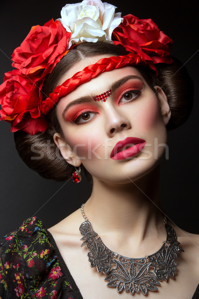 Güzel kız kırmızı dudaklar çiçekler güzel genç kadın parlak Stok fotoğraf © svetography