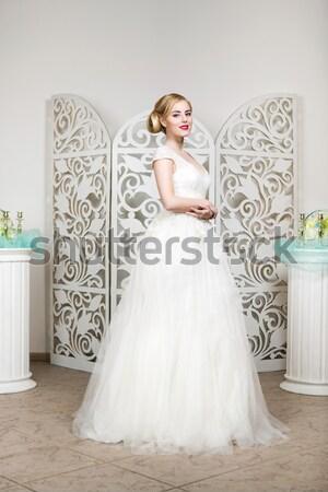 Piękna dziewczyna suknia ślubna piękna młoda kobieta biały Zdjęcia stock © svetography