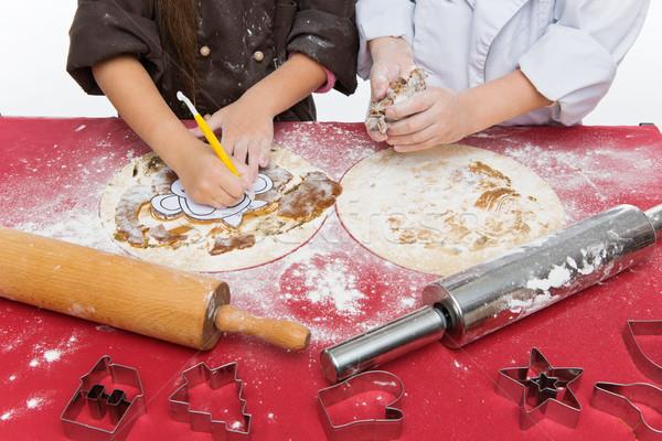 çocuklar Noel zencefilli çörek eller kurabiye Stok fotoğraf © svetography