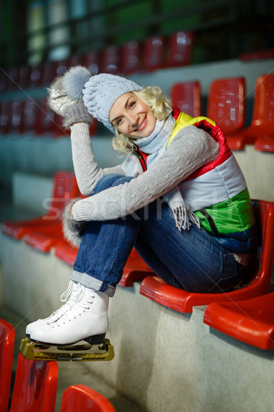 Bella ragazza inverno vestiti pattini bella Foto d'archivio © svetography