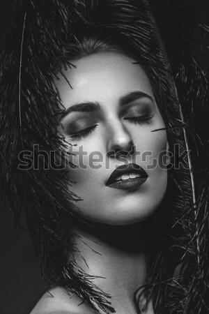 Nina oscuro labios hermosa labios rojos Foto stock © svetography