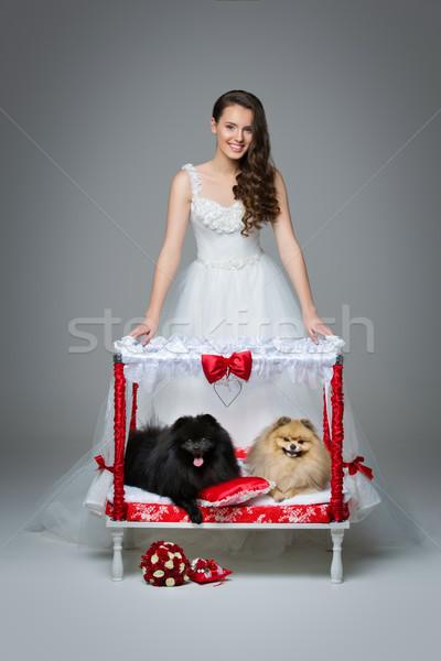 Foto stock: Noiva · menina · cão · casamento · casal · cama