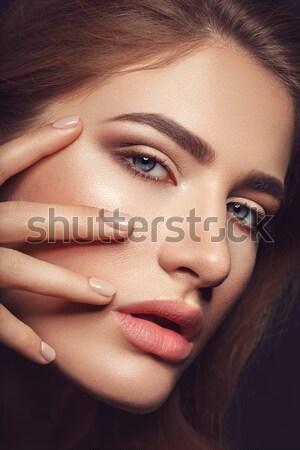 Gyönyörű lány természetes smink manikűr közelkép portré Stock fotó © svetography