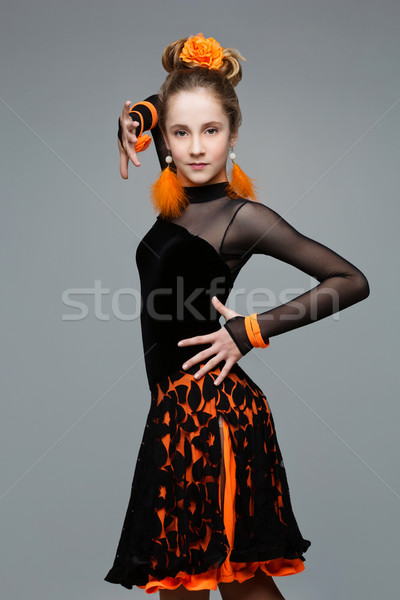 Belle bal danseur salsa robe adolescent Photo stock © svetography