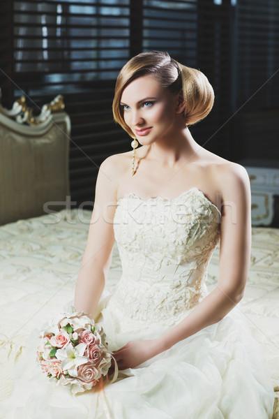 Prachtig bruid mooie jonge make kapsel Stockfoto © svetography