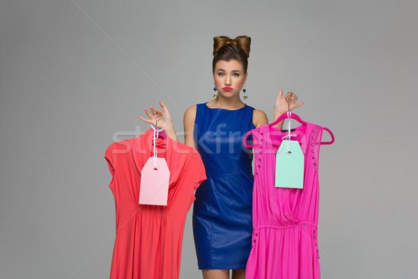 Verward meisje jurken mooie vrouw Stockfoto © svetography