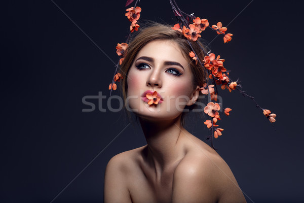 Belle fille sakura branche belle jeune femme maquillage Photo stock © svetography