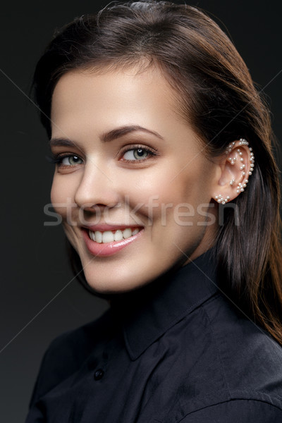 красивая девушка жемчуга уха красивой молодые счастливым Сток-фото © svetography