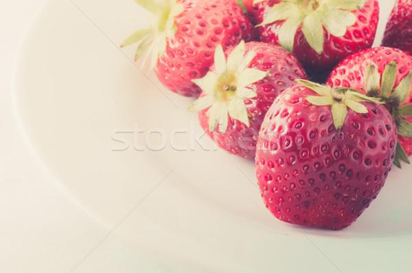 белый блюдо клубника фрукты десерта красивой Сток-фото © sweetcrisis