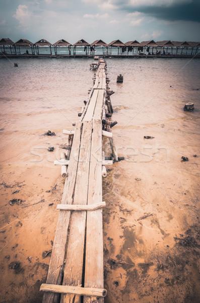 древесины коттедж воды небе водохранилище Vintage Сток-фото © sweetcrisis