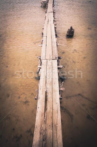 древесины воды водохранилище Vintage Таиланд небе Сток-фото © sweetcrisis