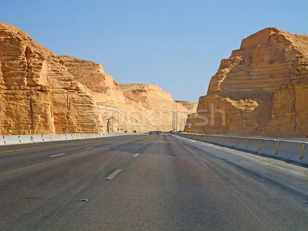 út sivatag autópálya Szaúd-Arábia természet tájkép Stock fotó © swisshippo