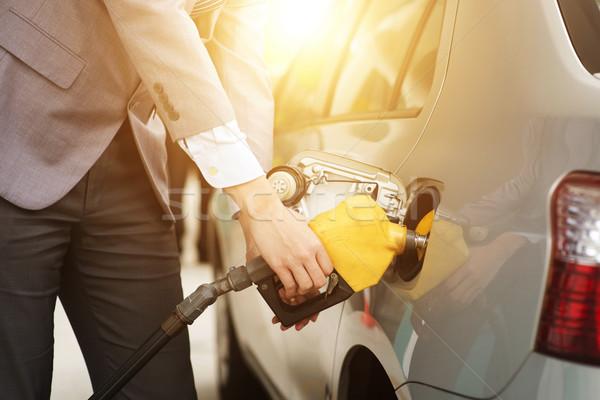 Człowiek benzyny gazu benzyny paliwa Zdjęcia stock © szefei