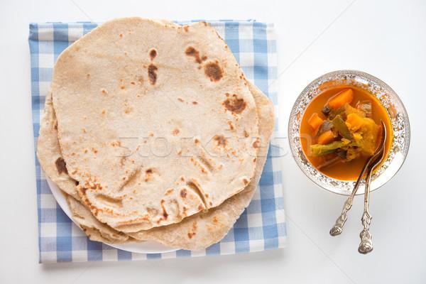 Comida indiana pão caril mesa de jantar comida restaurante Foto stock © szefei