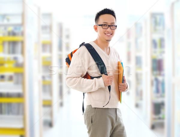 Asian volwassen student bibliotheek zuidoosten toevallig Stockfoto © szefei