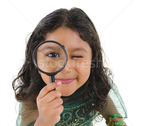Exploratie weinig indian meisje camera vergrootglas Stockfoto © szefei