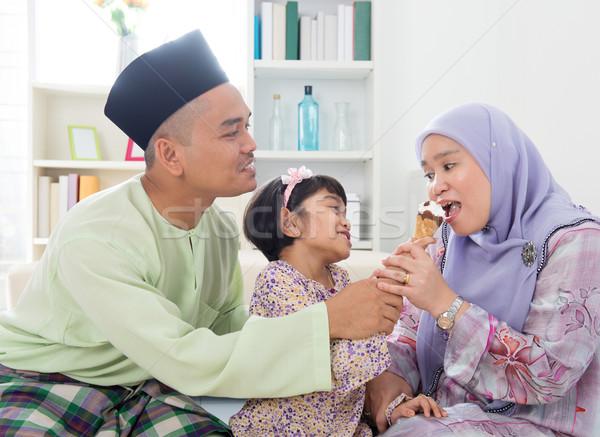 Stock fotó: Etetés · fagylalt · muszlim · lány · anya · gyönyörű