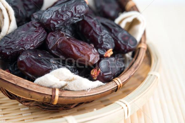 Aszalt randevú pálma gyümölcsök ramadán étel Stock fotó © szefei