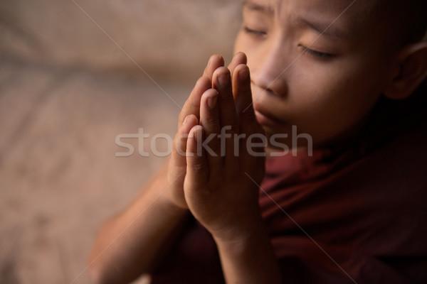 Bidden jonge monnik Stockfoto © szefei