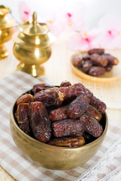 Randevú pálma gyümölcsök aszalt ramadán étel Stock fotó © szefei