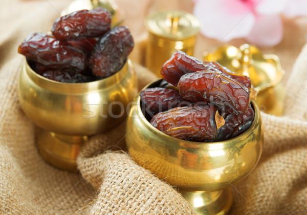 Ramadán étel datolya gyümölcs aszalt randevú Stock fotó © szefei