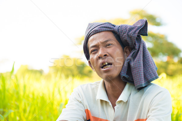 Myanmar hombre hablar amigo campo Foto stock © szefei