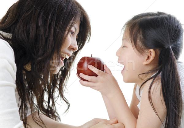 Gezond eten moeder dochter appel witte Stockfoto © szefei