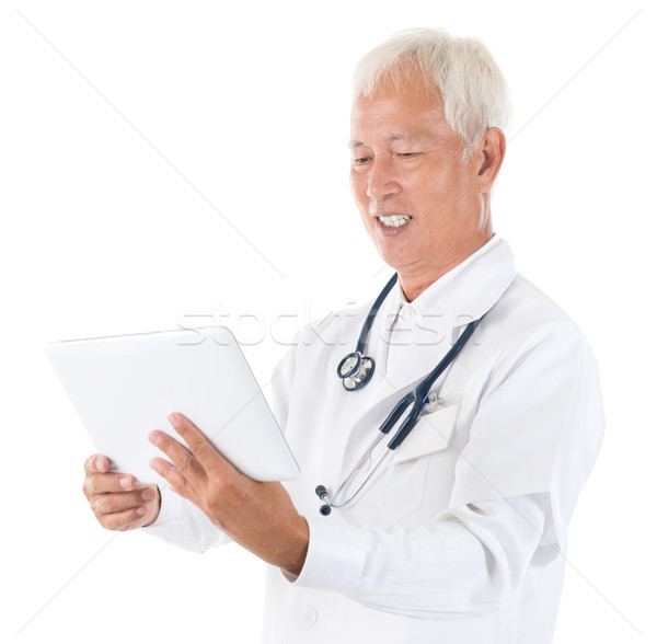 Asian specialist medische arts senior Stockfoto © szefei