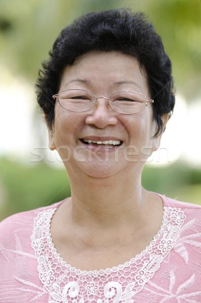 ázsiai idős nő 60-as évek park reggel Stock fotó © szefei