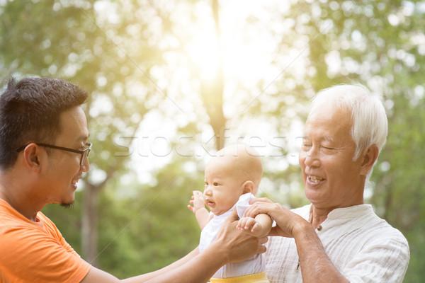 Asian tre generazioni famiglia baby nipote Foto d'archivio © szefei