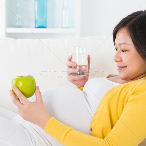 Materna nutrizione asian donna incinta Foto d'archivio © szefei