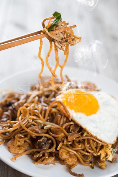 Keverés sült garnélák evőpálcika fából készült tojás Stock fotó © szefei