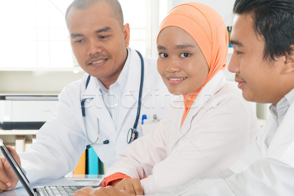 Stok fotoğraf: Tıbbi · doktorlar · hastane · ofis · arkadaşları