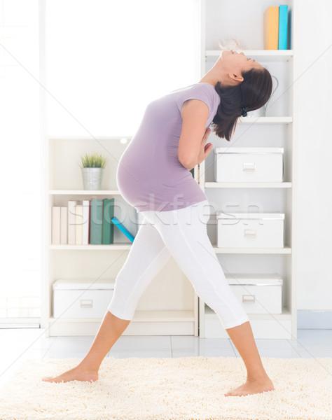 Születés előtti jóga teljes alakos egészséges hónapok terhes Stock fotó © szefei