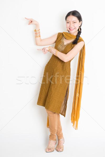 Indian cinese donna dita punta ritratto Foto d'archivio © szefei