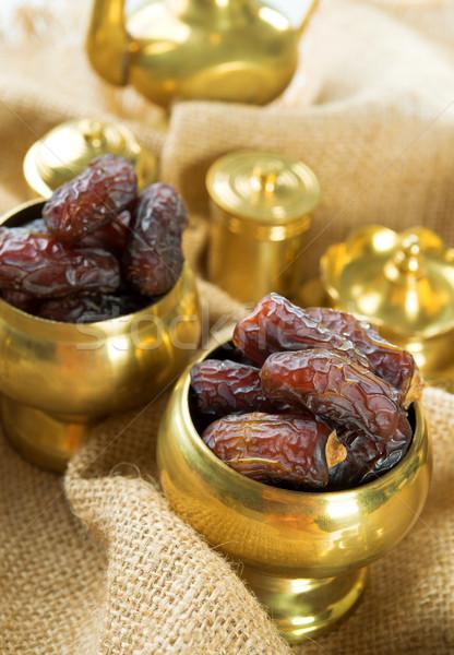 Datolya aszalt randevú pálma gyümölcsök ramadán Stock fotó © szefei