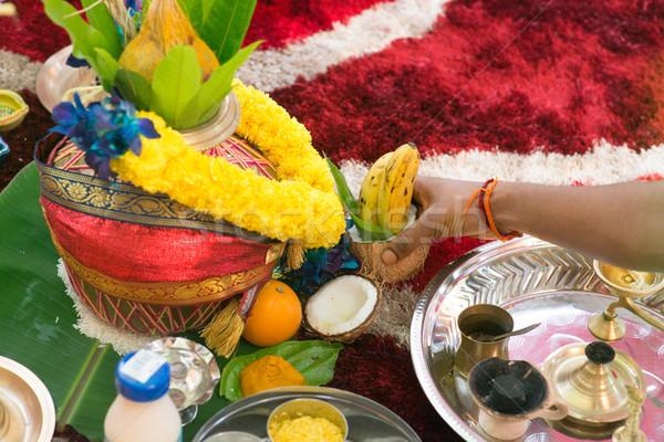Zuiden indian erfgoed oor piercing ceremonie Stockfoto © szefei