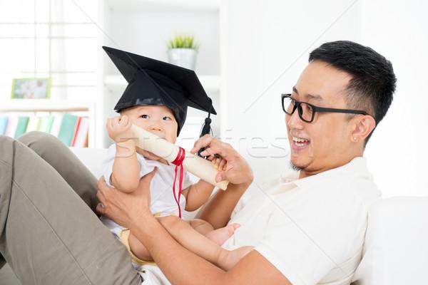 Baba korai oktatás ázsiai család életstílus otthon Stock fotó © szefei