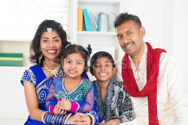 Stockfoto: Gelukkig · indian · familie · eengezinswoning · wonen · lifestyle