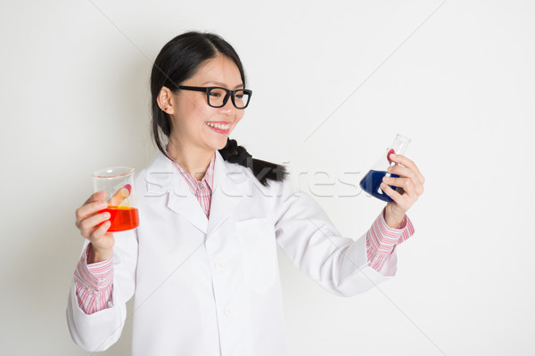 Mikrobiológia diák folyadék minta teszt ázsiai Stock fotó © szefei