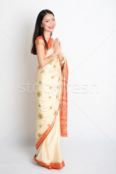 Donna saluto posa indian Foto d'archivio © szefei