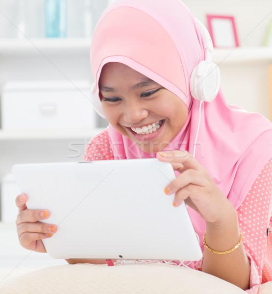 азиатских подростку слушать mp3 наушников юго-восток Сток-фото © szefei