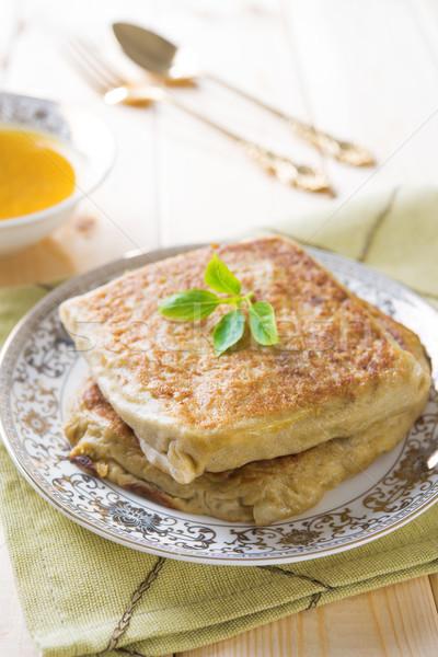 Popular Árabe comida pão recheado carne Foto stock © szefei