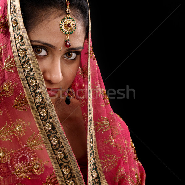 Tajemnicy młodych indian dziewczyna portret piękna Zdjęcia stock © szefei