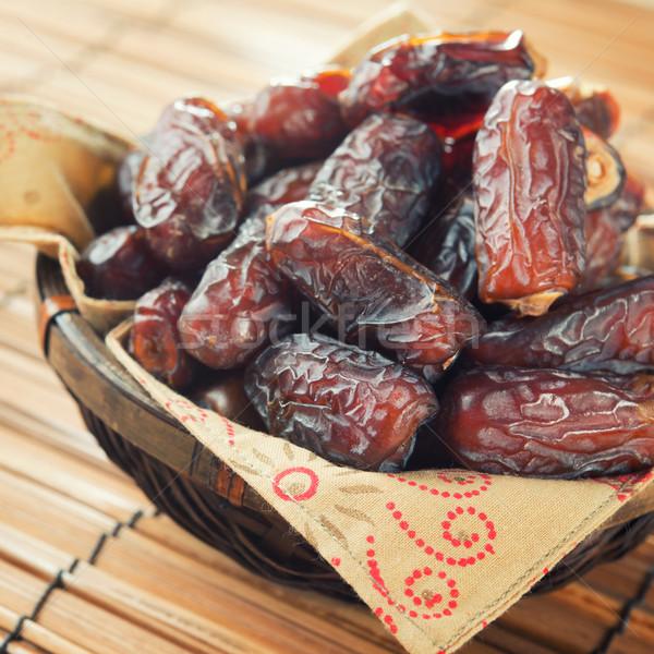 Datolya gyümölcs kosár köteg friss aszalt Stock fotó © szefei