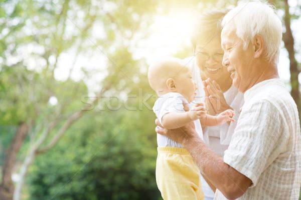Nonno nonna nipote ritratto nonni Foto d'archivio © szefei