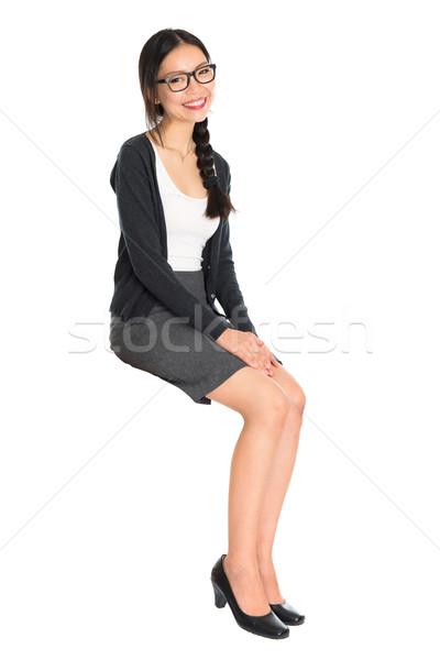Fiatal ázsiai lány ül egészalakos portré Stock fotó © szefei