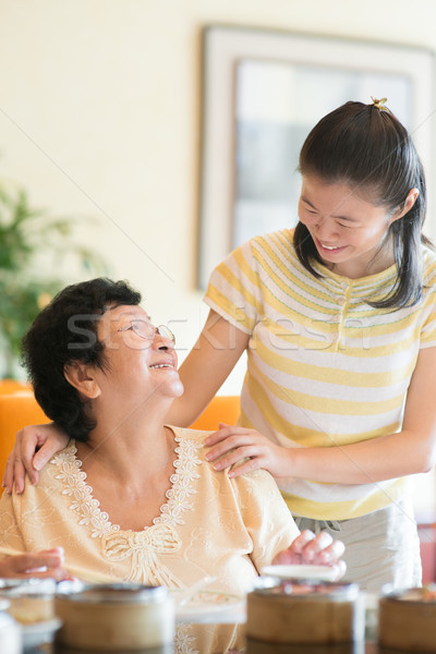 Ancianos atención Asia chino familia interacción Foto stock © szefei